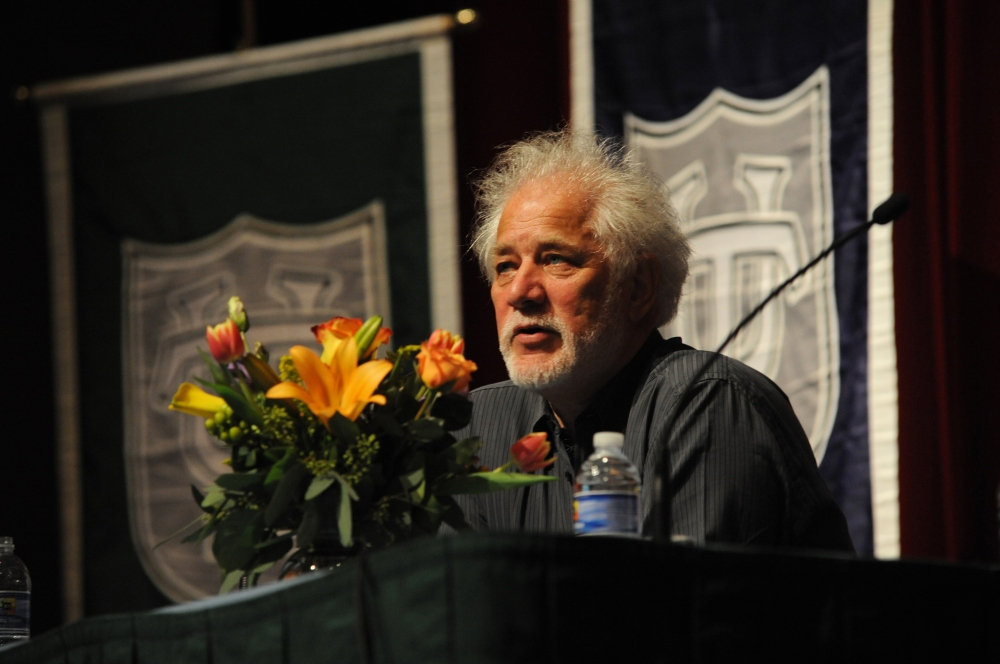 Michael_Ondaatje_at_Tulane_Oct_2010_flowers
