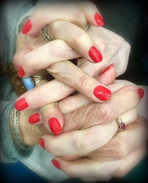 hands2-2